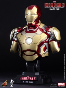 iron-man-3-busto03