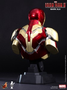 iron-man-3-busto06